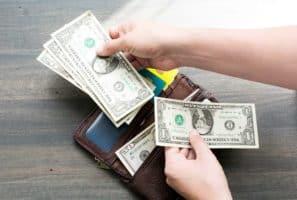 20 Things Poor People Foolishly Waste Money On